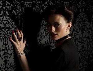 Irene Adler, dall'opera completa delle Avventure di Sherlock Holmes di sir Arthur Conan Doyle